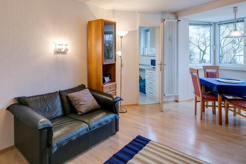 1 habitaci n piso amueblado internet tarifa plana m nich laim 3527. Black Bedroom Furniture Sets. Home Design Ideas