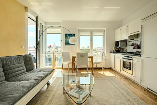 2 habitaciones piso amueblado internet tarifa plana m nich maxvorstadt 4705. Black Bedroom Furniture Sets. Home Design Ideas