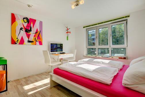 1 habitaci n piso amueblado internet tarifa plana m nich maxvorstadt 8146. Black Bedroom Furniture Sets. Home Design Ideas