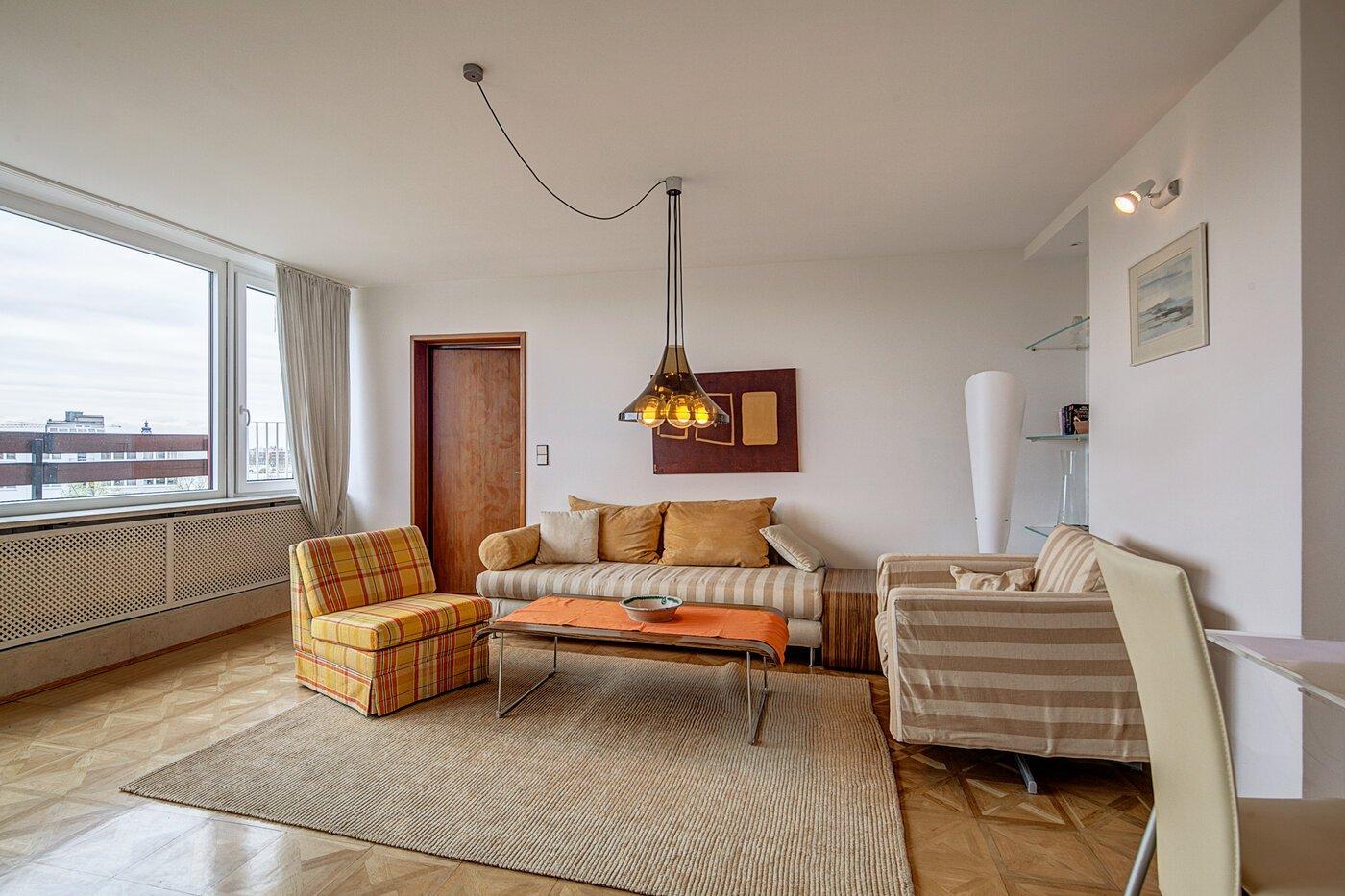 2 5 habitaciones tico con terraza amueblado pantalla plana m nich maxvorstadt 255. Black Bedroom Furniture Sets. Home Design Ideas
